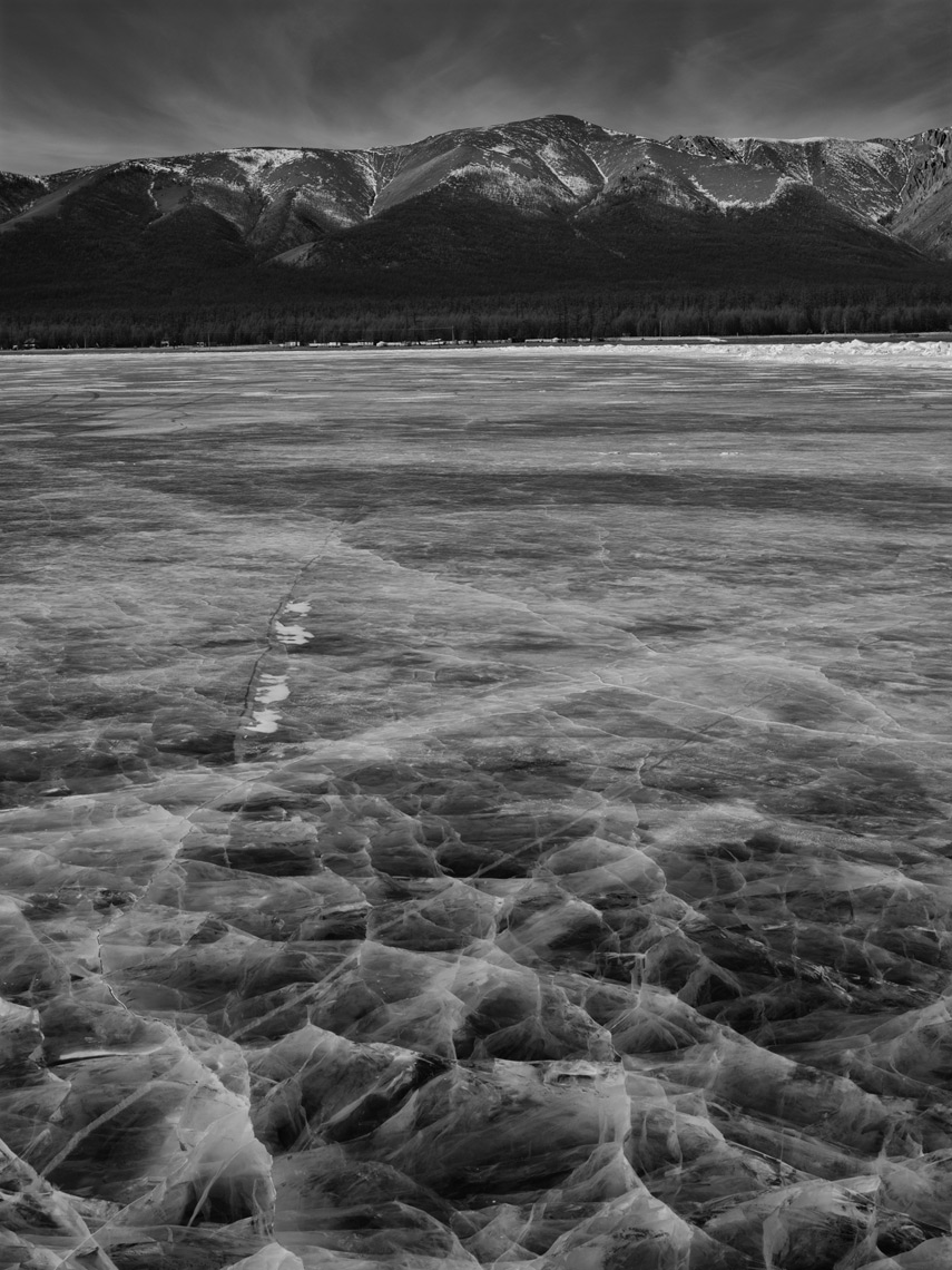 Frozen-Lake-Mongolia10